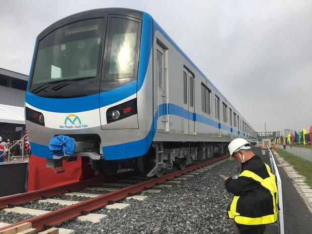TP.HCM đề xuất lương hơn 500 triệu đồng/tháng cho chuyên gia dạy lái tàu metro - Ảnh 1.