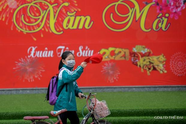 Thầy trò trường Tiểu học Xuân Phương mừng rỡ ngày đi học trở lại - Ảnh 14.