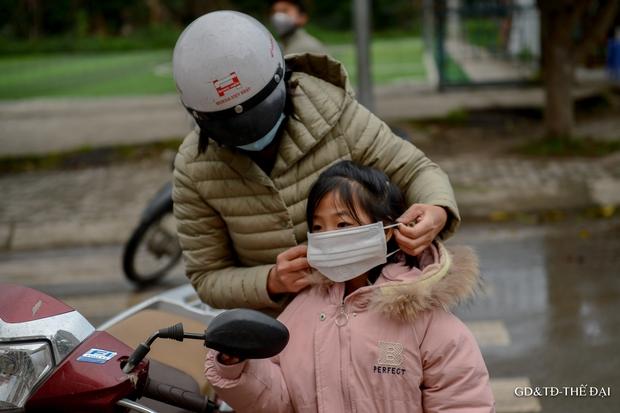 Thầy trò trường Tiểu học Xuân Phương mừng rỡ ngày đi học trở lại - Ảnh 6.