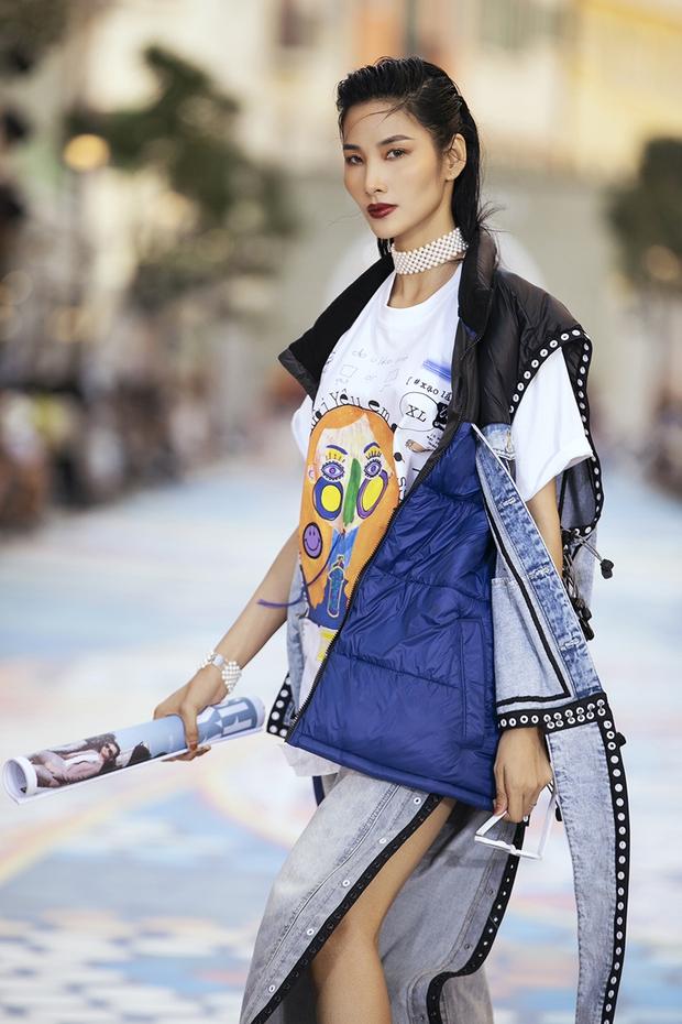 """Hoàng Thùy khí chất đỉnh cao nhưng vẫn khó """"chặt"""" nổi Thanh Hằng tại Fashion Voyage 3 - Ảnh 3."""