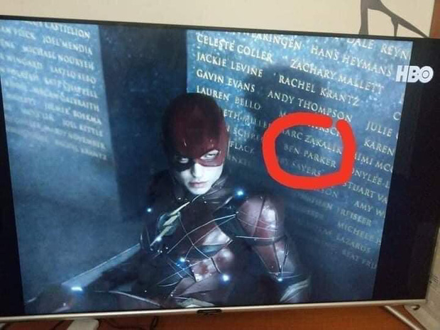 20 tình tiết ẩn đắt giá tràn ngập Justice League bản full: chú của Spider Man xuất hiện, liên tục nhá hàng về Supergirl, Atom - Ảnh 22.