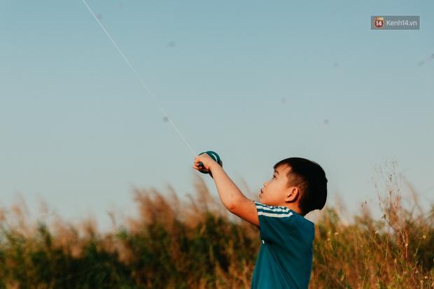 Có một nơi ở Sài Gòn cứ đến tháng 3 lại trở thành tâm điểm vui chơi, già trẻ lớn bé ai cũng đến để tìm về tuổi thơ - Ảnh 1.