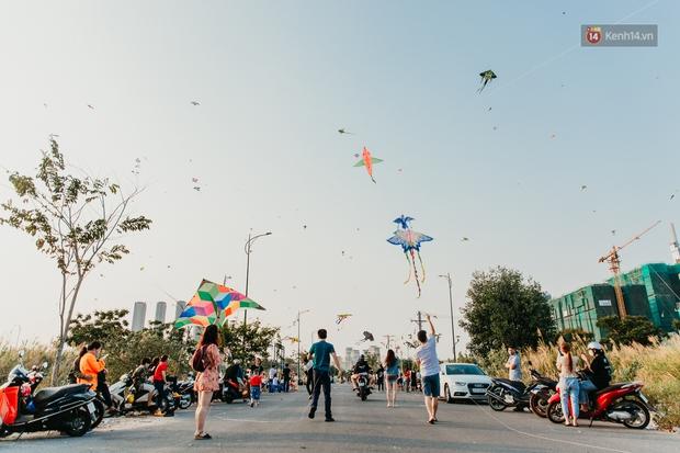 Có một nơi ở Sài Gòn cứ đến tháng 3 lại trở thành tâm điểm vui chơi, già trẻ lớn bé ai cũng đến để tìm về tuổi thơ - Ảnh 3.