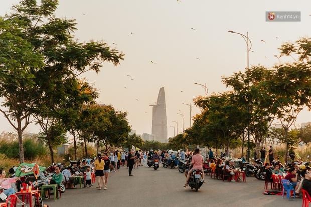 Có một nơi ở Sài Gòn cứ đến tháng 3 lại trở thành tâm điểm vui chơi, già trẻ lớn bé ai cũng đến để tìm về tuổi thơ - Ảnh 10.