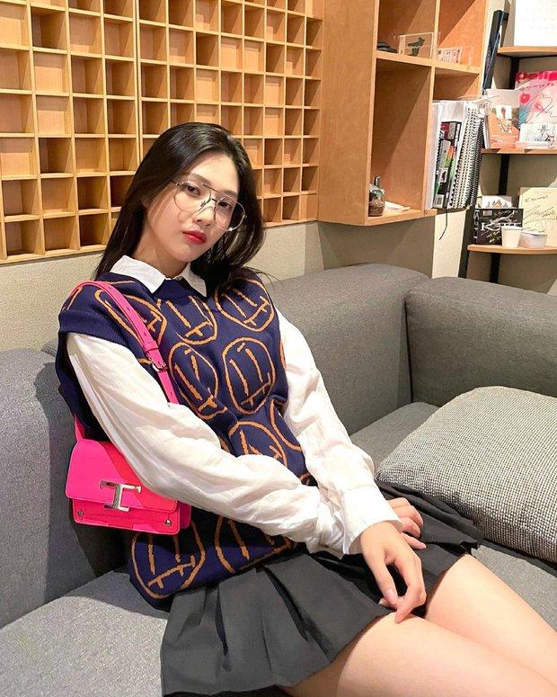 Từng bị tố copy Jennie, nữ thần Red Velvet bỗng khiến Knet khó tính quay xe vì màn bùng nổ visual chỉ nhờ... ảnh điện thoại - Ảnh 2.