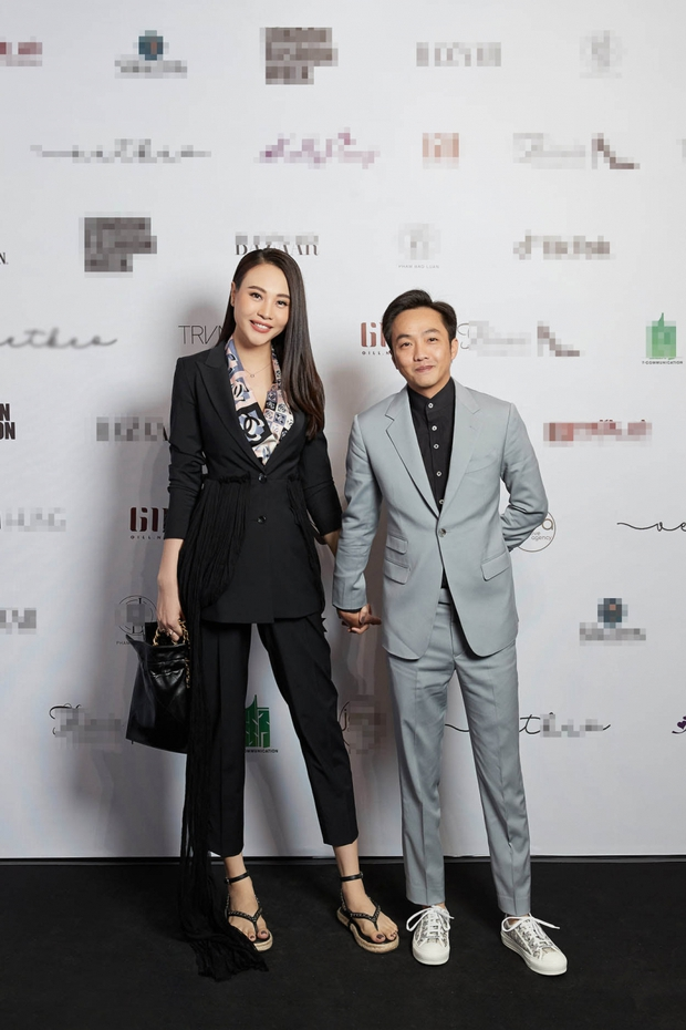 """Đông Nhi và Đàm Thu Trang đụng hàng, cùng 1 đôi sandal mà style khác hẳn nhau mới là """"đỉnh của chóp"""" - Ảnh 3."""