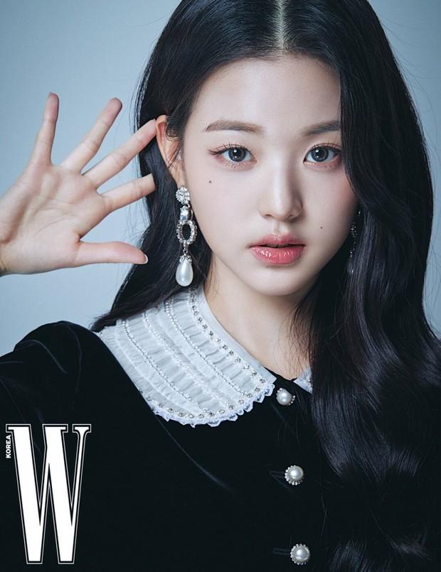 Tranh cãi khi so kè nhan sắc Tzuyu - Jang Won Young năm 17 tuổi: Center chân dài át cả Lisa có đỉnh hơn mỹ nhân đẹp nhất thế giới? - Ảnh 13.