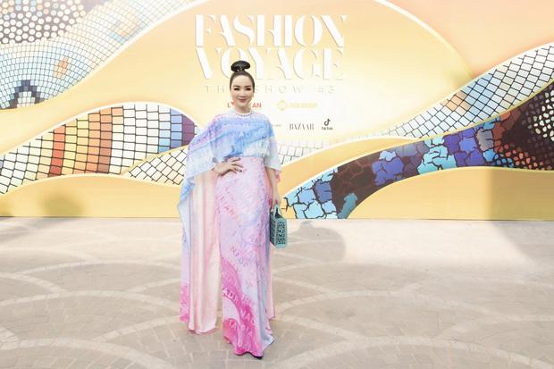 Ngọc Trinh lộ vòng 3 căng đét, dàn Hoa hậu Á hậu cũng thi nhau khoe ngực ỡm ờ trên thảm đỏ Fashion Voyage - Ảnh 26.