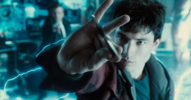 20 tình tiết ẩn đắt giá tràn ngập Justice League bản full: chú của Spider Man xuất hiện, liên tục nhá hàng về Supergirl, Atom - Ảnh 15.