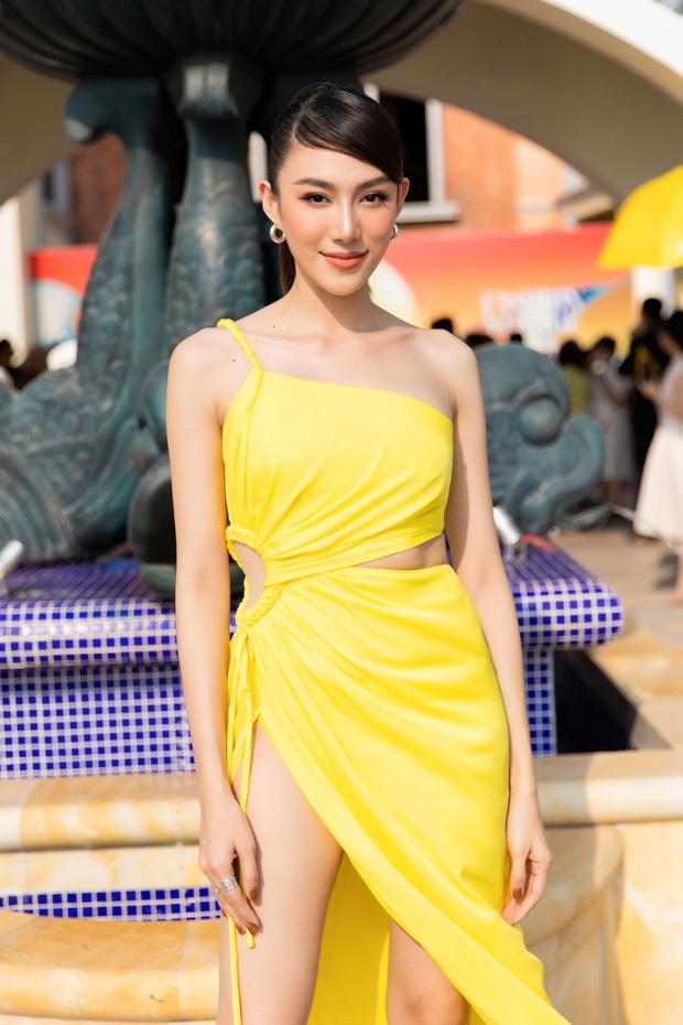 Ngọc Trinh lộ vòng 3 căng đét, dàn Hoa hậu Á hậu cũng thi nhau khoe ngực ỡm ờ trên thảm đỏ Fashion Voyage - Ảnh 15.