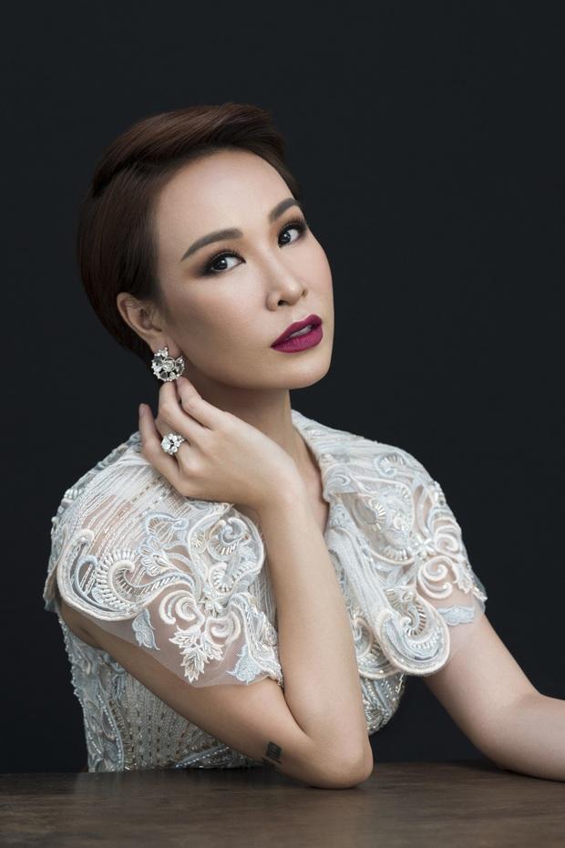 Uyên Linh: Mình không gọi Chi Pu là ca sĩ, Chi Pu là một ngôi sao - Ảnh 1.