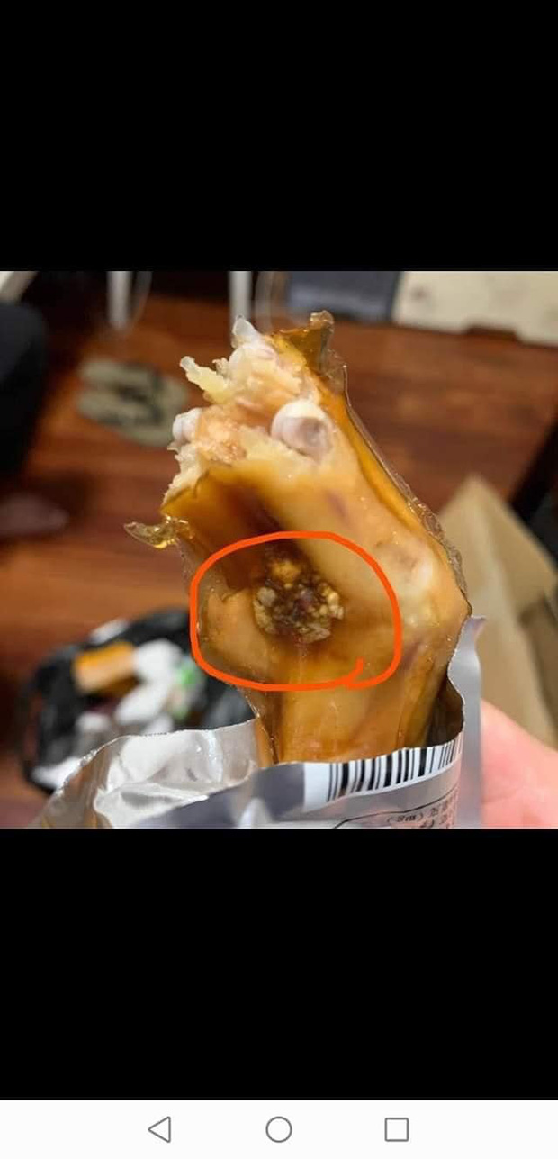 Kinh hãi hình ảnh chân vịt cay mua về ăn thử thì mốc meo: Món ăn bán trôi nổi trên thị trường, chỉ đáp ứng về nhu cầu khẩu vị, có thể gây hại sức khỏe - Ảnh 3.