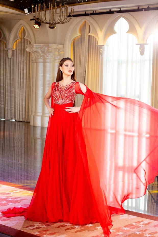 Võ Hoàng Yến: Cảm thấy như Khánh Vân đang chờ được cổ vũ nhưng đi thi đâu ai bơm năng lượng cho mình - Ảnh 7.