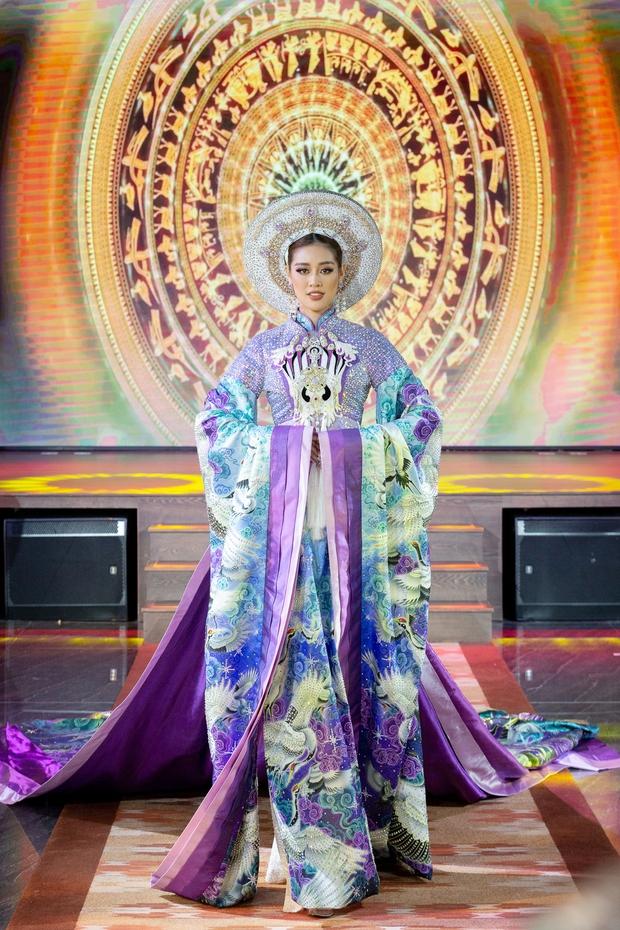 Võ Hoàng Yến: Cảm thấy như Khánh Vân đang chờ được cổ vũ nhưng đi thi đâu ai bơm năng lượng cho mình - Ảnh 11.