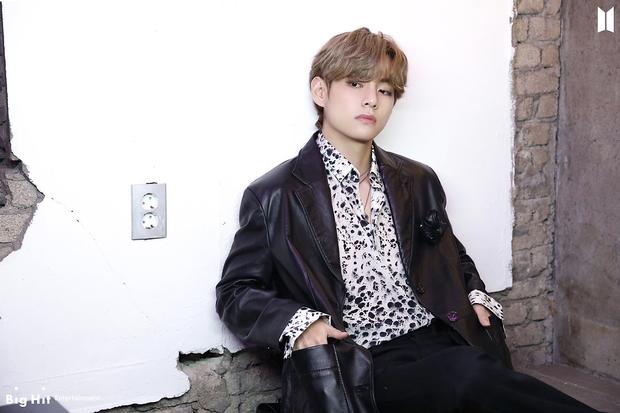 30 nam idol hot nhất hiện nay: Jimin (BTS) bị nam thần mặt mộc đe doạ, Chanyeol so kè với GD sau phốt bắt cá 10 tay - Ảnh 6.