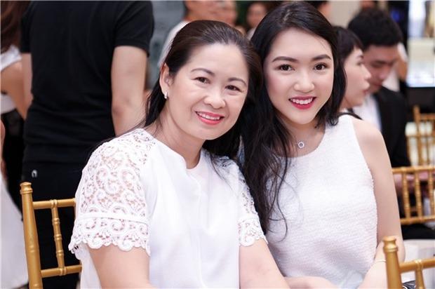 Có thể bạn chưa biết: Phía sau mỗi rich kid Việt là một bà mẹ quyền lực và giàu sụ! - Ảnh 27.