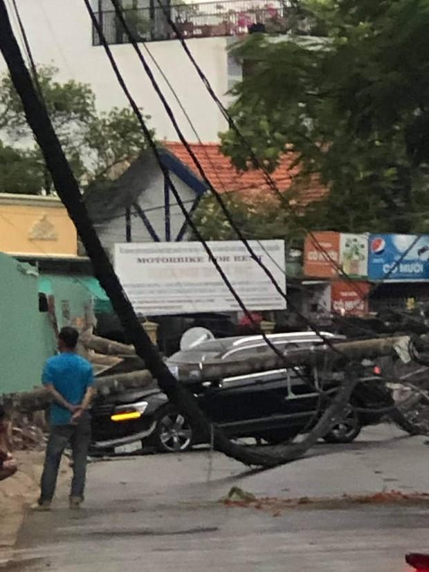 Tài xế ngoại quốc lái xế hộp tông ngã 5 trụ điện khiến hàng trăm hộ trong khu nhà giàu ở Sài Gòn mất điện khai do buồn ngủ - Ảnh 2.