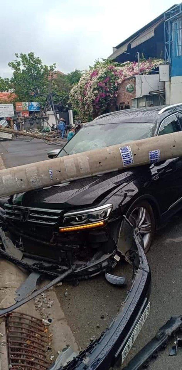 Tài xế ngoại quốc lái xế hộp tông ngã 5 trụ điện khiến hàng trăm hộ trong khu nhà giàu ở Sài Gòn mất điện khai do buồn ngủ - Ảnh 1.