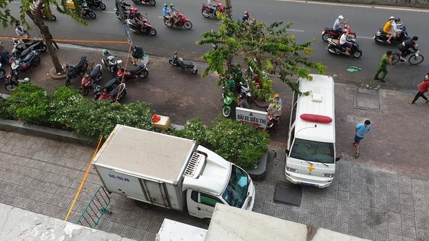 Hình ảnh cuối cùng của 2 cô gái trẻ trong thang máy trước khi rơi lầu chung cư ở Sài Gòn - Ảnh 2.