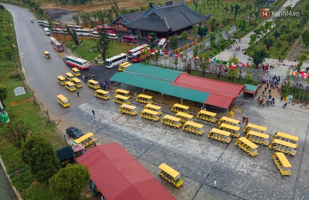 Chùm ảnh: Hơn một vạn người đội mưa về lễ chùa Tam Chúc  - Ảnh 9.
