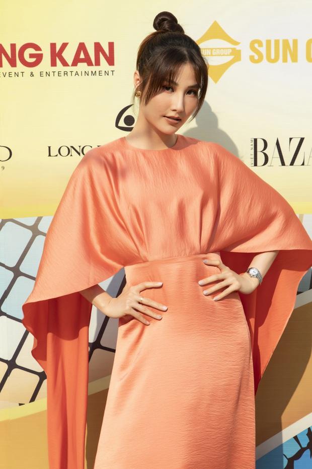 Ngọc Trinh lộ vòng 3 căng đét, dàn Hoa hậu Á hậu cũng thi nhau khoe ngực ỡm ờ trên thảm đỏ Fashion Voyage - Ảnh 11.