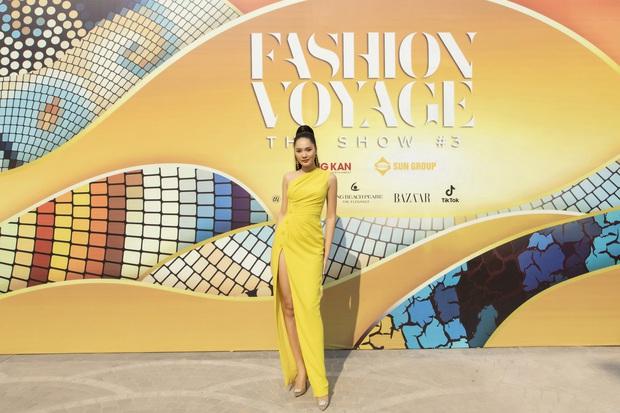Ngọc Trinh lộ vòng 3 căng đét, dàn Hoa hậu Á hậu cũng thi nhau khoe ngực ỡm ờ trên thảm đỏ Fashion Voyage - Ảnh 25.