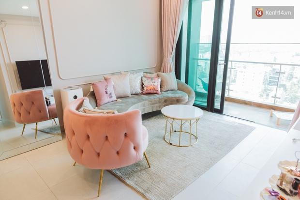 """Ngắm sofa xịn của sao Việt mà mê, ai muốn decor phòng khách sang xịn thì nên sắm 8 """"bé"""" này - Ảnh 4."""