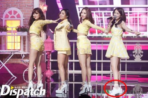 Mật báo Kbiz: Song Hye Kyo cặp kè đại gia Hong Kong, Park Seo Joon yêu nữ thần Hậu Duệ Mặt Trời, bóc cả list nhóm nhạc bắt nạt - Ảnh 8.