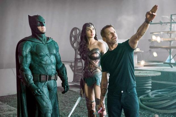 Zack Snyder hé lộ nội dung Justice League 2: các siêu anh hùng cùng liên kết chống lại Superman, hoành tráng vượt bậc Endgame? - Ảnh 1.