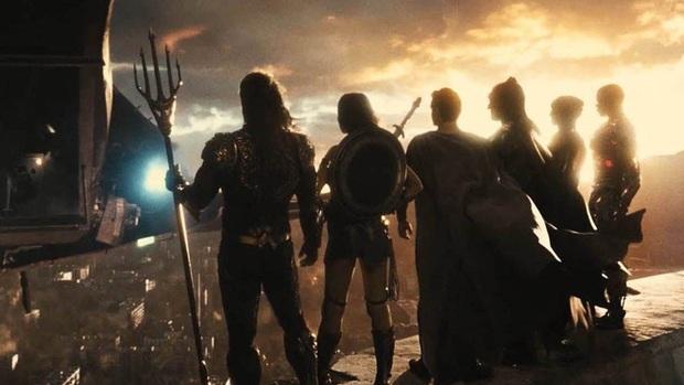 Zack Snyder hé lộ nội dung Justice League 2: các siêu anh hùng cùng liên kết chống lại Superman, hoành tráng vượt bậc Endgame? - Ảnh 2.