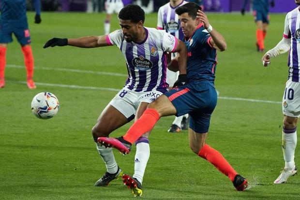 Thủ môn ghi bàn phút 90+4 đưa đội nhà trở về từ cõi chết - Ảnh 2.