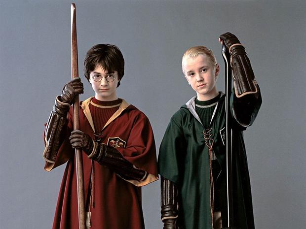 Sốc nặng màn tuột dốc nhan sắc của 2 nam thần Harry Potter - Draco Malfoy: Bên râu ria dừ chát, bên trán hói đến đáng thương - Ảnh 2.