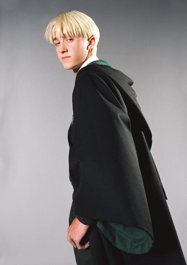 Sốc nặng màn tuột dốc nhan sắc của 2 nam thần Harry Potter - Draco Malfoy: Bên râu ria dừ chát, bên trán hói đến đáng thương - Ảnh 7.