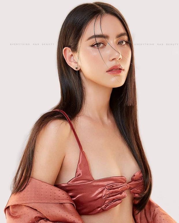 Tóc Tiên bị Mai Davika chặt đẹp khi đụng bộ bikini như găng tay rửa bát, nhưng may vẫn được netizen bênh vực hết lời - Ảnh 2.