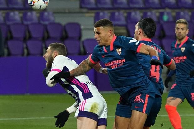 Thủ môn ghi bàn phút 90+4 đưa đội nhà trở về từ cõi chết - Ảnh 3.