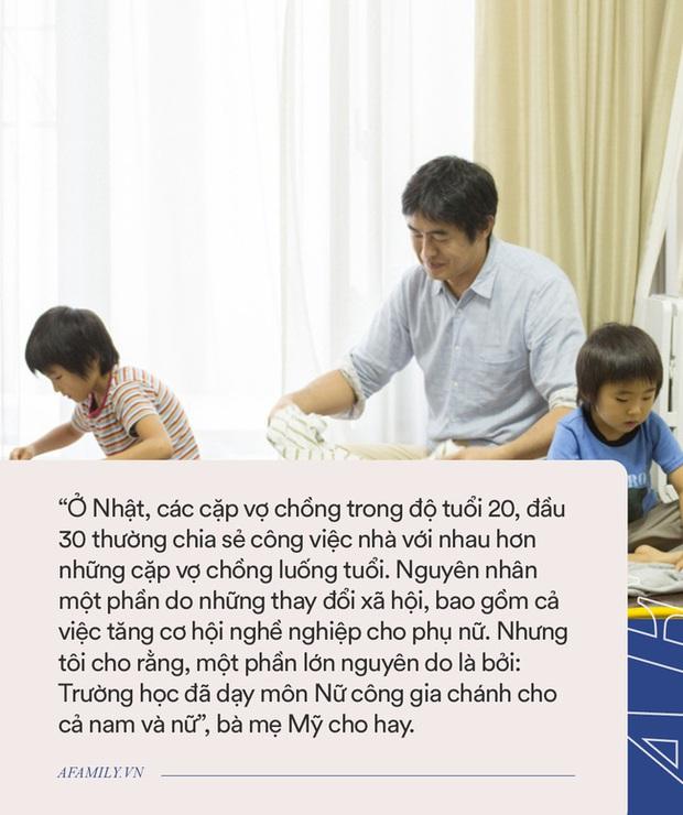 Đưa con trai đến lớp, bà mẹ tình cờ đi theo một phụ huynh khác và phát hiện ra môn học lạ đang được giảng dạy tại trường - Ảnh 3.
