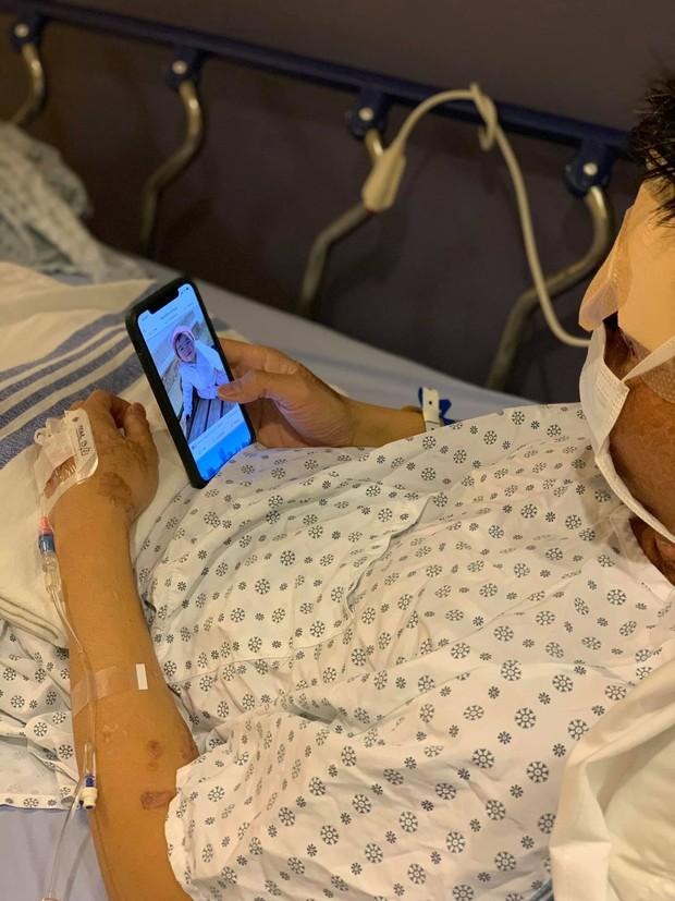 Nam Việt kiều Canada bị tạt axit, cắt gân chân 2 năm trước tiếp tục thực hiện phẫu thuật chỉnh hình và dòng nhắn nhủ xúc động từ vợ - Ảnh 3.