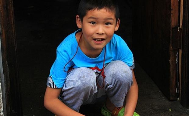 Con trai 12 tuổi thường xuyên dậy sớm nấu ăn cho gia đình, bà mẹ phát hiện chỉ là ngụy trang, mục đích thực sự khiến ai nấy đều ớn - Ảnh 2.