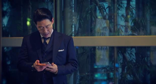 Ác ma của Penthouse Ju Dan Tae sắp ăn cơm tù vì để chuông điện thoại vang 7749 mét, nhưng smartphone gì mà pro thế này? - Ảnh 3.