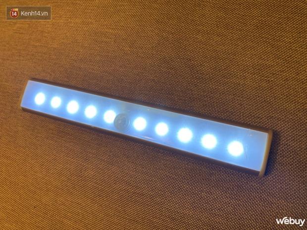 Review đèn LED gắn tủ quần áo giá 99k: Dùng lần đầu đã phải tấm tắc vì quá sang xịn mịn - Ảnh 9.