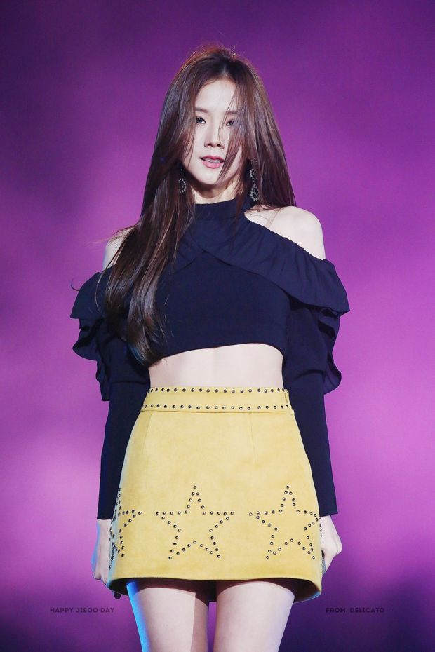Đây là loạt ảnh giúp Jisoo (BLACKPINK) trở thành nữ thần đẹp nhất nhì Kpop - Ảnh 11.