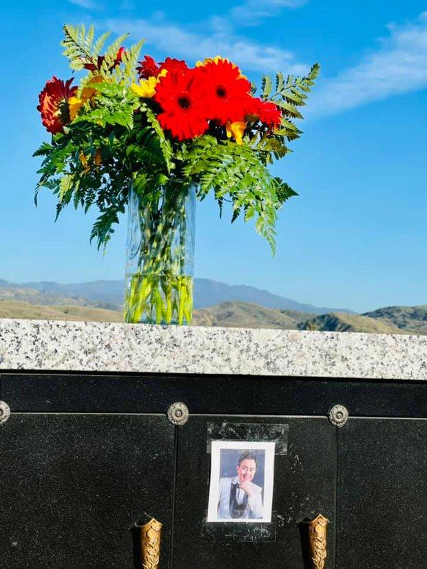 Thúy Nga tiết lộ bà xã Bé Heo mỗi ngày đều đi thăm mộ cố NS Chí Tài, kể điều đặc biệt về người quá cố khiến ai nghe cũng xúc động - Ảnh 5.