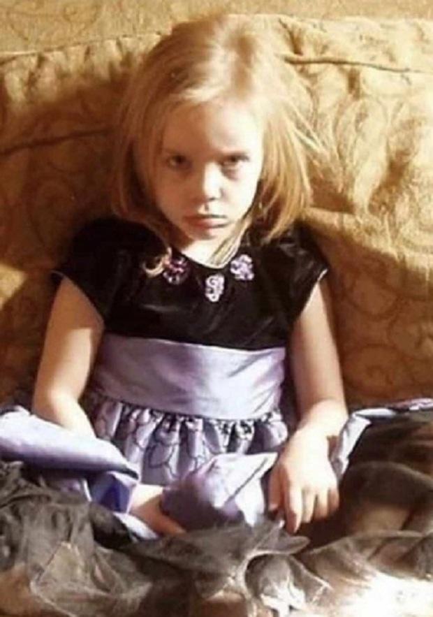 Ảnh quá khứ hé lộ nhan sắc thật của dàn mỹ nhân Hollywood: Taylor lột xác, Billie Eilish xinh hơn cả 2 chị em Gigi Hadid? - Ảnh 7.