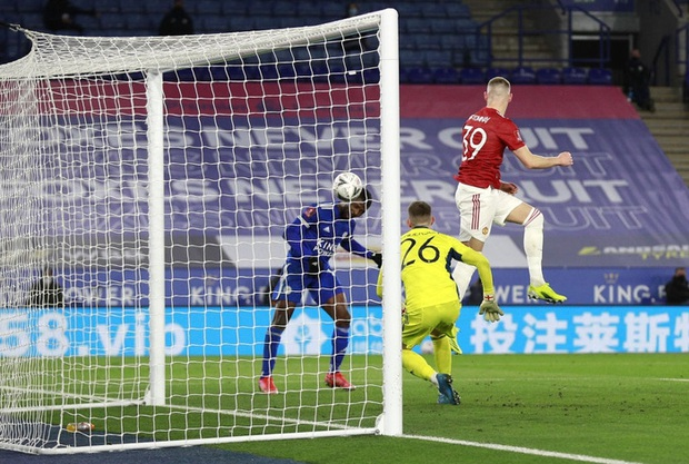 MU đứt chuỗi 29 trận bất bại sân khách, chia tay FA Cup sau thất bại thảm hại trước Leicester - Ảnh 10.
