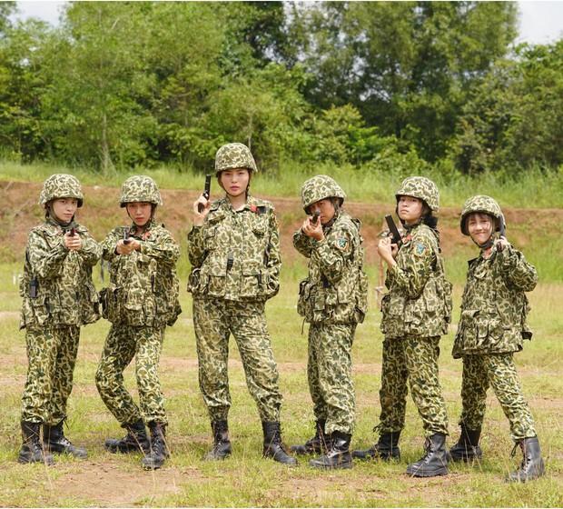 Khánh Vân tiết lộ Mũi trưởng Long là chú bé khóc nhè, gọi điện khóc lóc trong ngày dàn nữ chiến binh xuất ngũ - Ảnh 1.