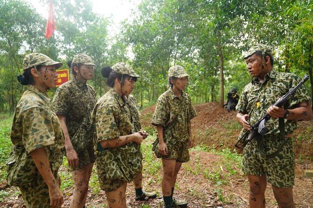 Khánh Vân tiết lộ Mũi trưởng Long là chú bé khóc nhè, gọi điện khóc lóc trong ngày dàn nữ chiến binh xuất ngũ - Ảnh 6.