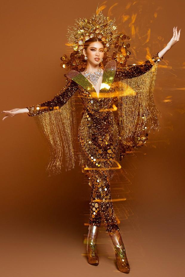 Ngọc Thảo hé lộ Quốc phục trọng lượng gây choáng tại Miss Grand 2020: Nặng gần 30kg, lộng lẫy như phượng hoàng! - Ảnh 2.
