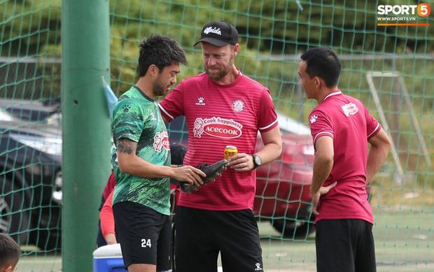 """Lee Nguyễn chạm trán Hà Nội FC: Màn đối đầu """"chú - cháu"""" đáng chờ đợi nhất vòng 5 V.League - Ảnh 1."""