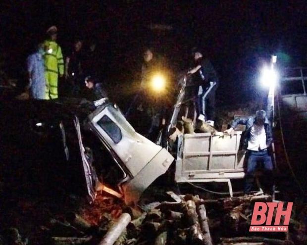 Ảnh: Hiện trường vụ tai nạn thảm khốc ở Thanh Hóa khiến 7 người tử vong - Ảnh 1.