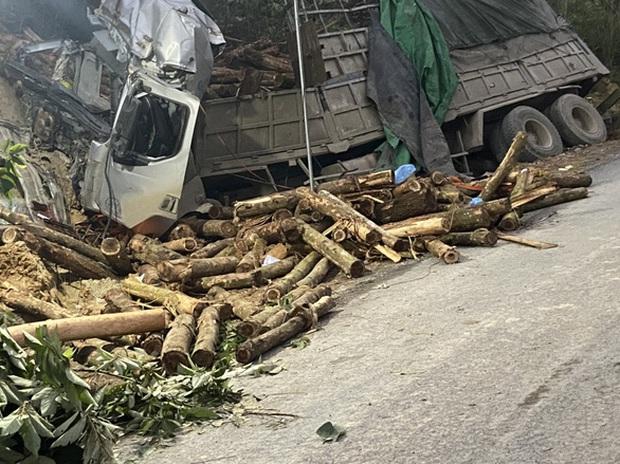 Ảnh: Hiện trường vụ tai nạn thảm khốc ở Thanh Hóa khiến 7 người tử vong - Ảnh 3.